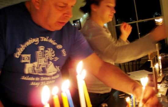 GZA-Chanukah-5-lighting
